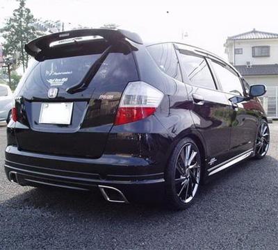 日本黑色新飞度改装车