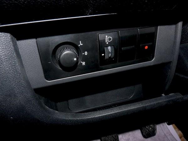 gx2驾驶位按钮操作(反光镜和大灯高度调节)